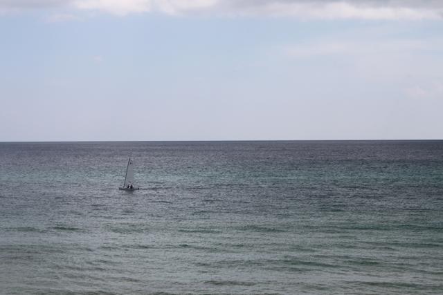 Singlesailboat