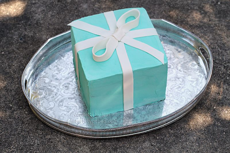 Tiffanyboxcake